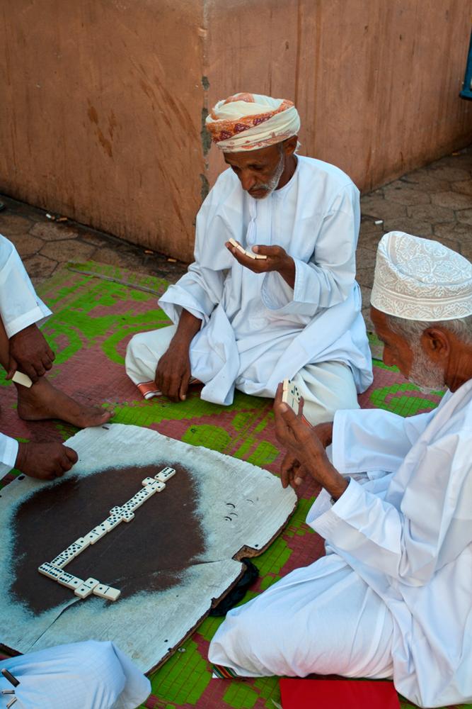 Jugando-domino