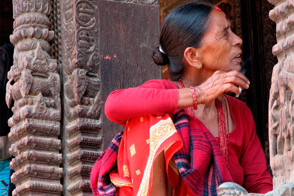 Mujer-fumadora-en-Katmandu