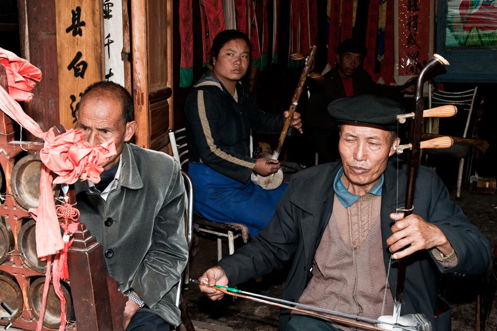 Musicos-de-Lijian-en-China