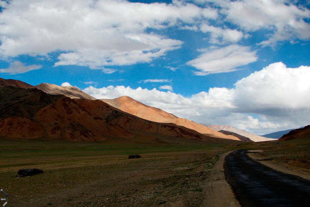Puerto-de-Baralacha-La-de-Ladakh-en-el-norte-de-India