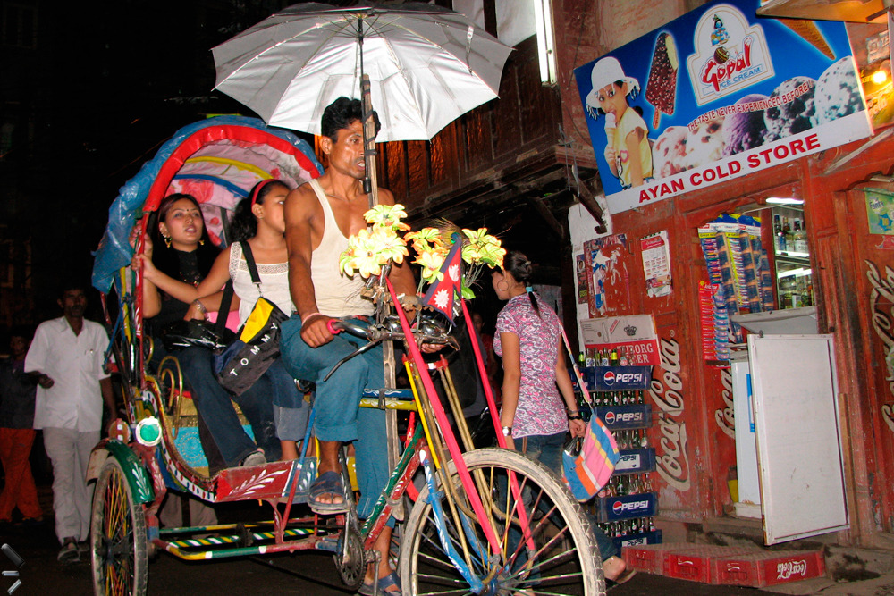 Rickshaw-nocturno-en-Katmandu