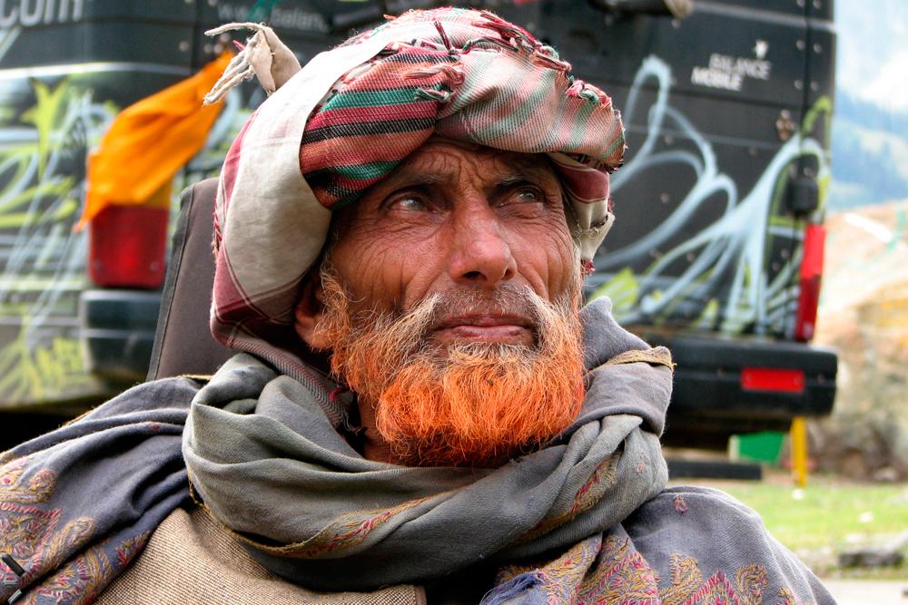 Un-hombre-en-Cachemira