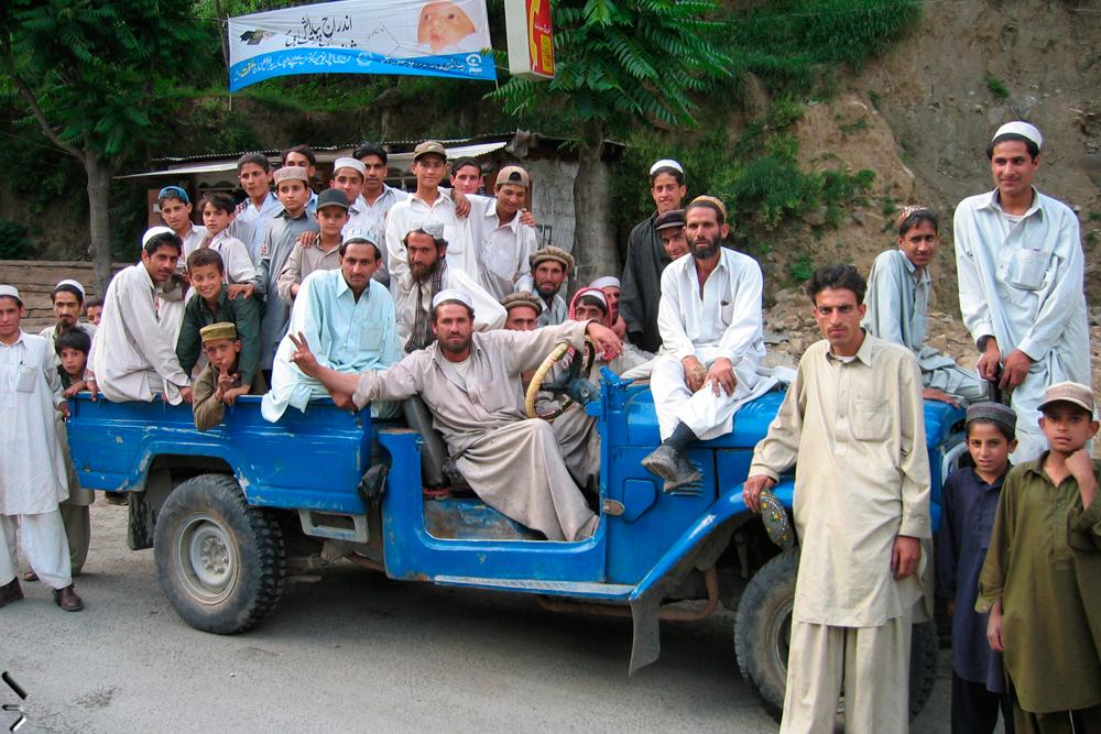 Un-jeep-con-aglomeración-de-Kohistan-en-Pakistán