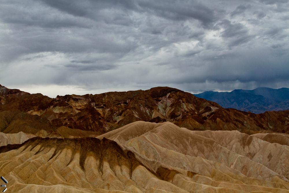 Zabriskie-point-en-el-Valle-de-la-Muerte-en-California