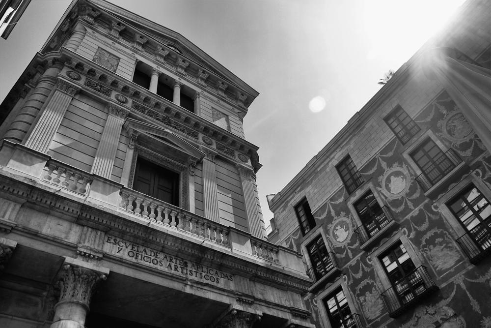 La-escuela-de-artes-y-oficios-en-el-barrio-gótico