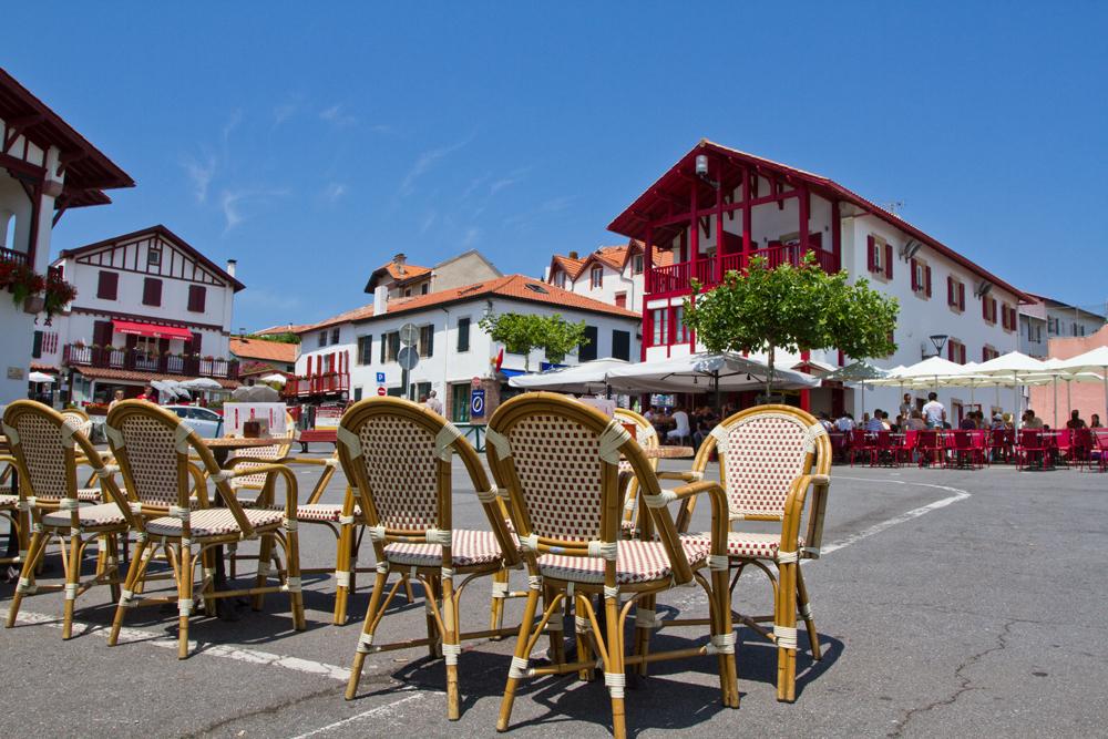 Plaza-de-Bidart
